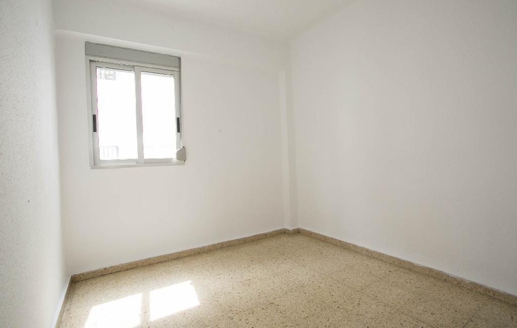 Piso en venta en Piso en Valencia, Valencia, 143.000 €, 4 habitaciones, 1 baño, 95 m2