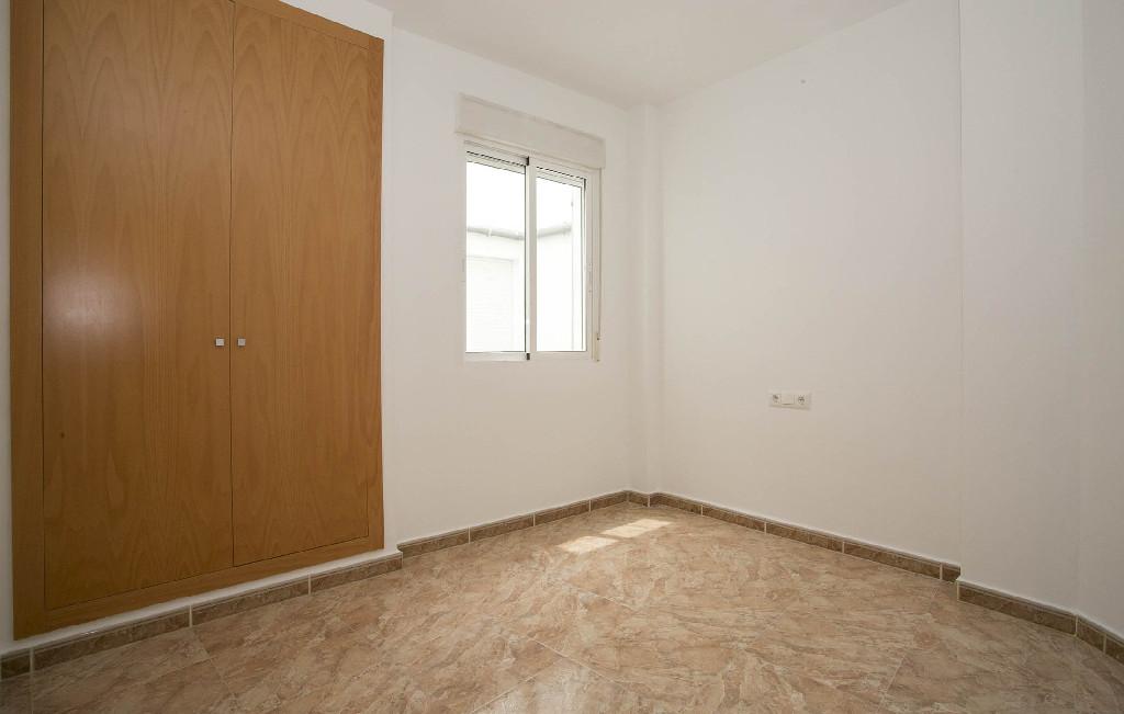 Piso en venta en Piso en Oropesa del Mar/orpesa, Castellón, 68.000 €, 2 habitaciones, 2 baños, 70 m2