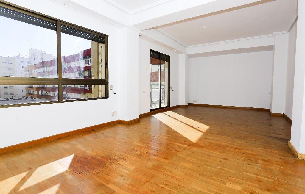 Piso en venta en Patraix, Valencia, Valencia, Calle Jesus, 152.000 €, 2 habitaciones, 2 baños, 93 m2