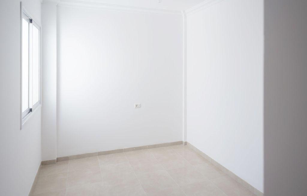 Piso en venta en Piso en San Cristobal de la Laguna, Santa Cruz de Tenerife, 155.500 €, 3 habitaciones, 1 baño, 100 m2