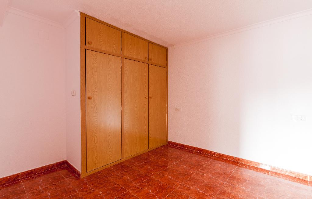 Piso en venta en Piso en Alicante/alacant, Alicante, 143.000 €, 2 habitaciones, 1 baño, 79 m2