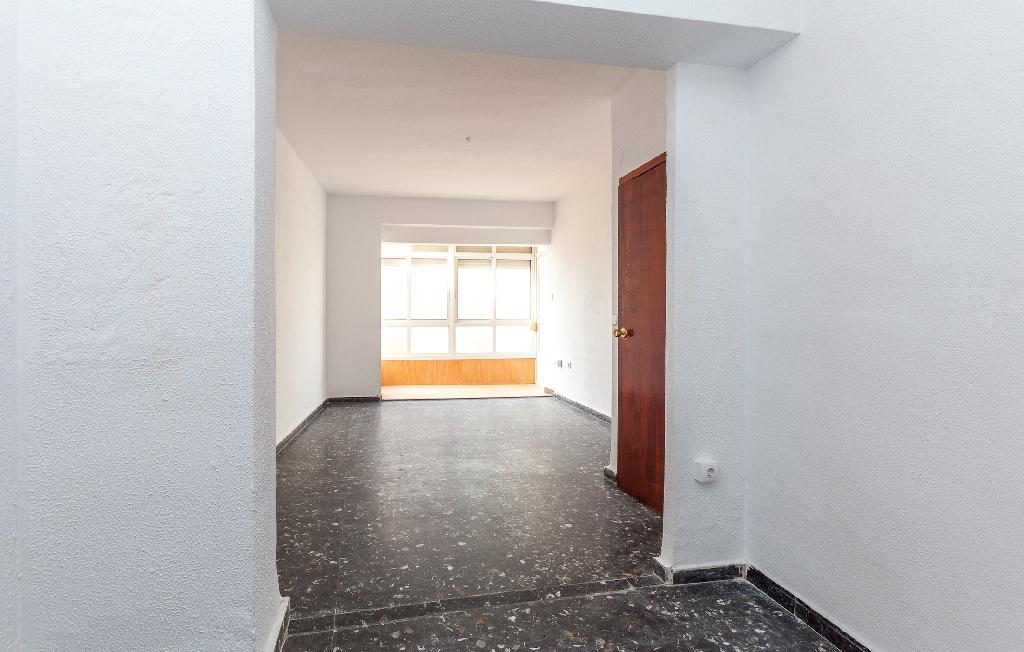 Piso en venta en Cartagena, Murcia, Calle Saura, 78.000 €, 3 habitaciones, 1 baño, 79 m2