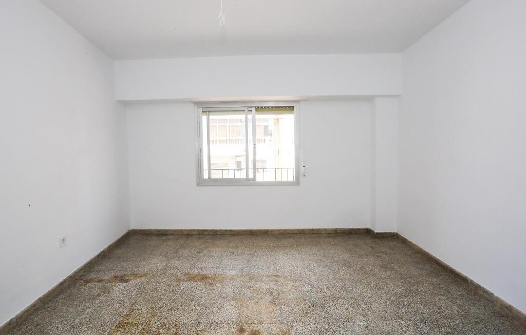 Piso en venta en Piso en Valencia, Valencia, 115.000 €, 3 habitaciones, 1 baño, 84 m2