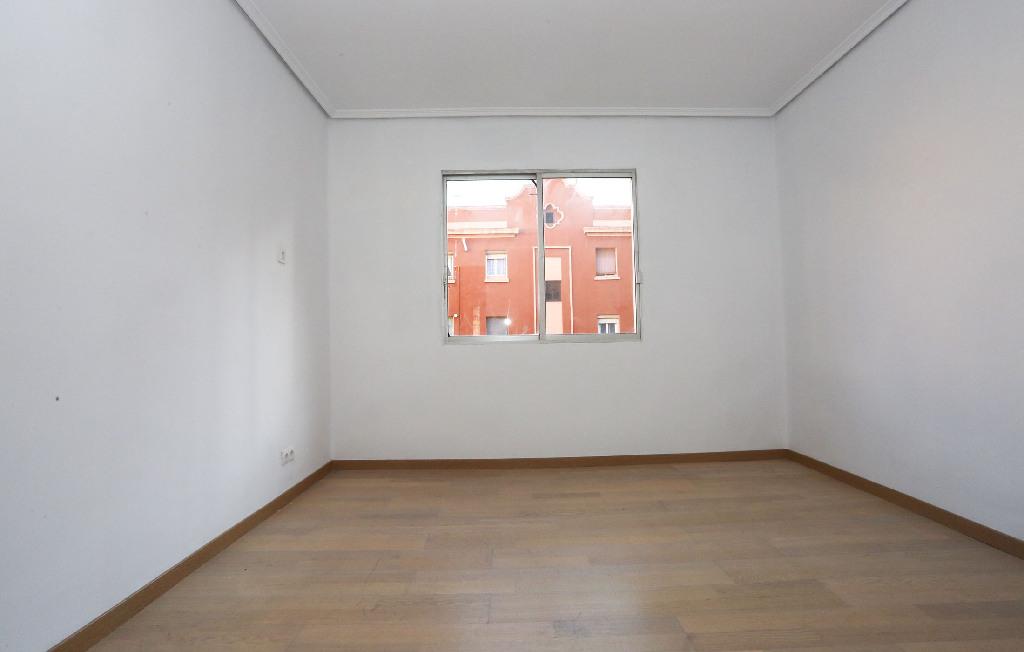 Piso en venta en Piso en Valencia, Valencia, 93.000 €, 3 habitaciones, 1 baño, 86 m2