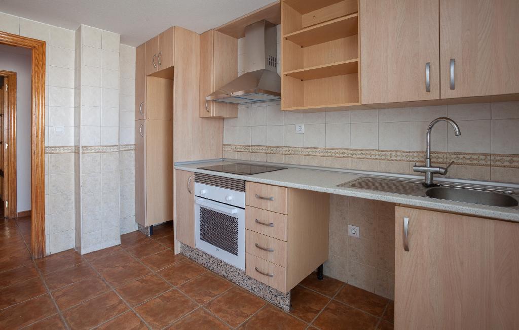 Piso en venta en Piso en Águilas, Murcia, 100.000 €, 4 habitaciones, 2 baños, 106 m2