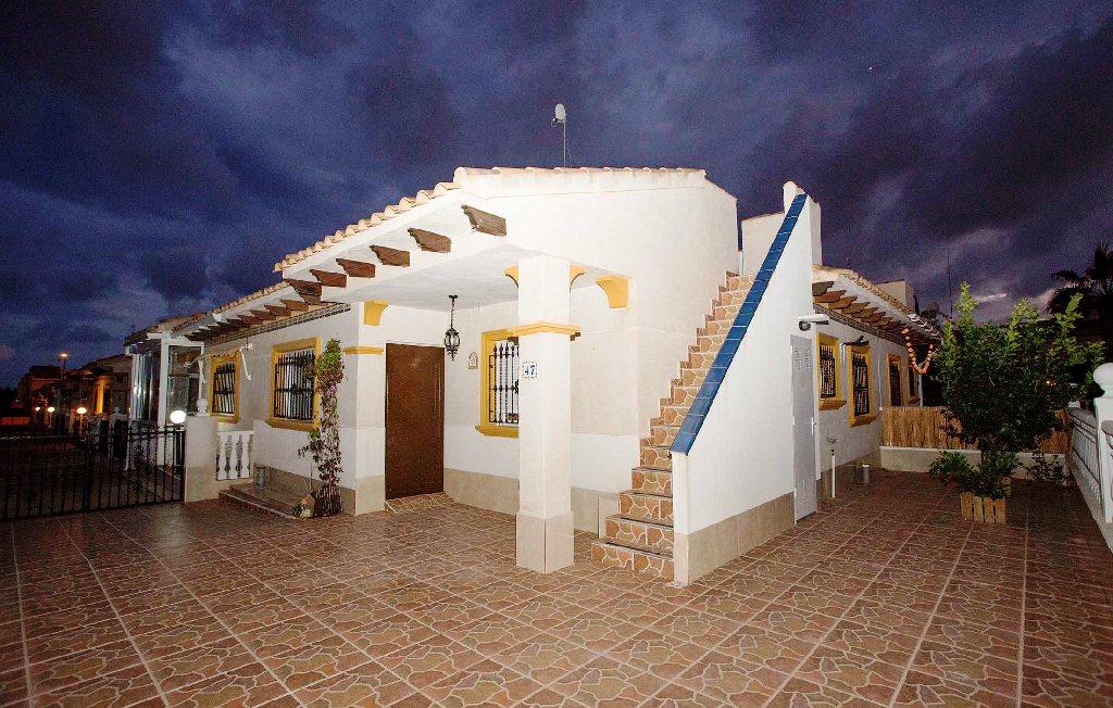 Casa en venta en Orihuela Costa, Orihuela, Alicante, Calle Flamenca Sur, 106.000 €, 2 habitaciones, 1 baño, 62 m2