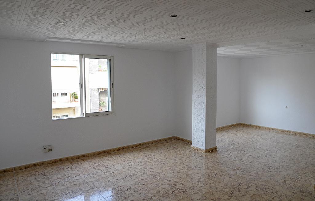 Piso en venta en Elche/elx, Alicante, Camino Dels Magros, 64.000 €, 3 habitaciones, 1 baño, 117 m2