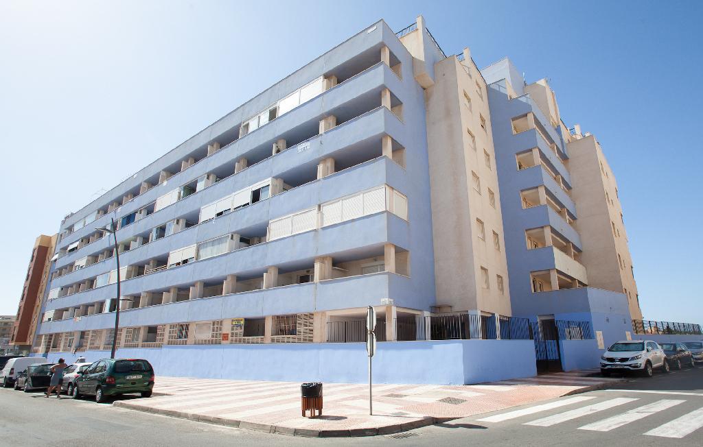 Piso en venta en Urbanización Roquetas de Mar, Roquetas de Mar, Almería, Calle Rosita Ferrer, 61.000 €, 7 baños, 50 m2