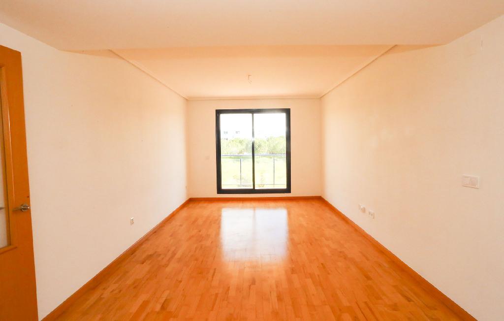 Piso en venta en Piso en Riba-roja de Túria, Valencia, 138.000 €, 4 habitaciones, 2 baños, 148 m2