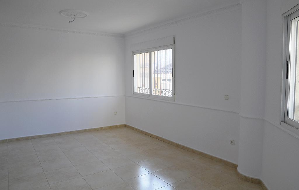Piso en venta en Piso en Ceutí, Murcia, 71.200 €, 3 habitaciones, 2 baños, 92 m2
