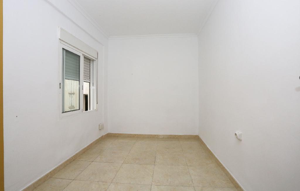 Piso en venta en Piso en Valencia, Valencia, 74.000 €, 3 habitaciones, 2 baños, 103 m2