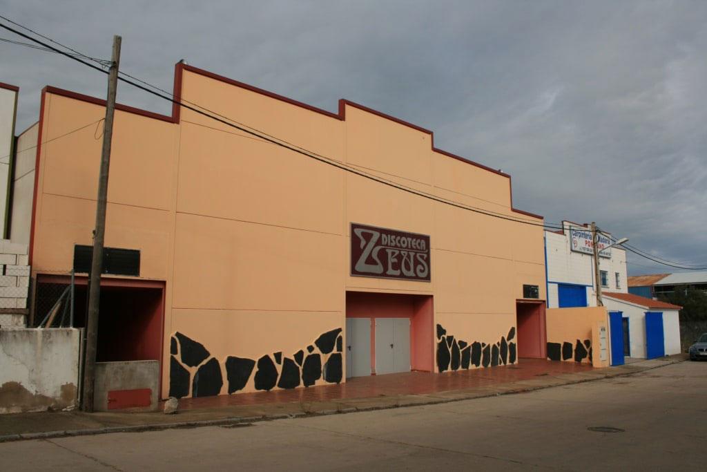 Industrial en venta en Industrial en Valencia de Alcántara, Cáceres, 167.220 €, 698 m2