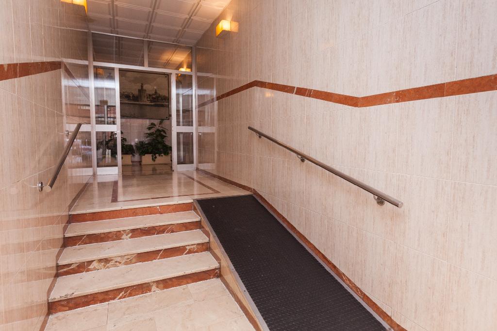 Piso en venta en Piso en San Juan de Aznalfarache, Sevilla, 47.000 €, 2 habitaciones, 1 baño, 54 m2