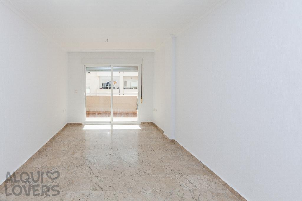 Piso en venta en Los Depósitos, Roquetas de Mar, Almería, Calle Reino de España, 134.000 €, 2 habitaciones, 2 baños, 91 m2