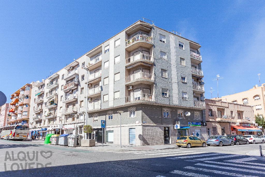 Piso en venta en Elche/elx, Alicante, Calle Gines Garcia Esquitino, 53.000 €, 3 habitaciones, 1 baño, 76 m2