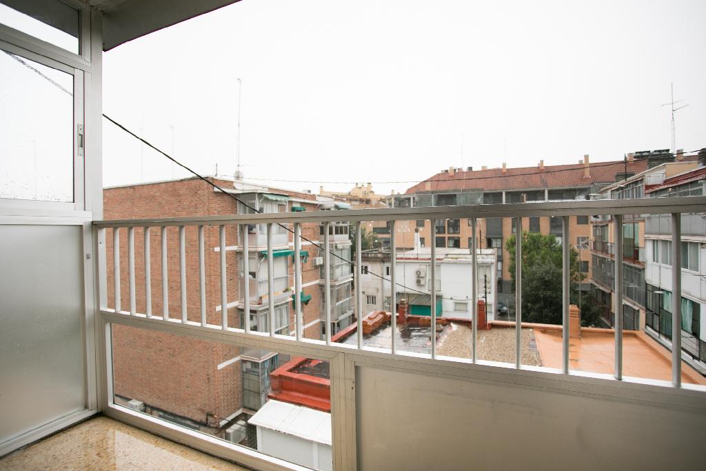 Piso en venta en Piso en Madrid, Madrid, 115.000 €, 3 habitaciones, 1 baño, 64 m2