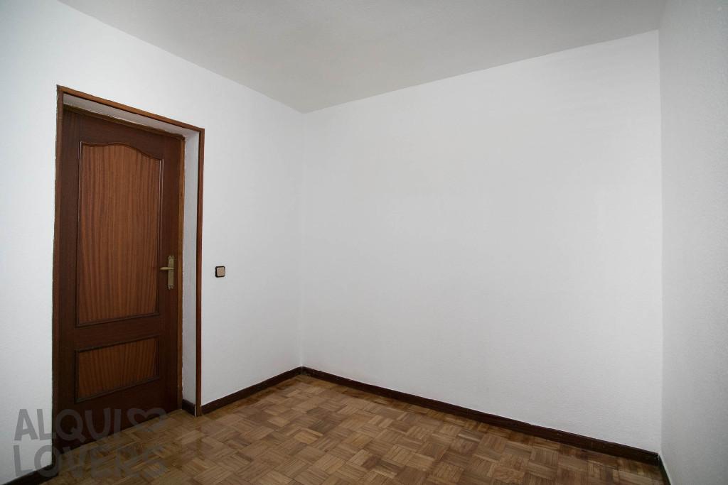 Piso en venta en Piso en Madrid, Madrid, 155.000 €, 4 habitaciones, 2 baños, 96 m2