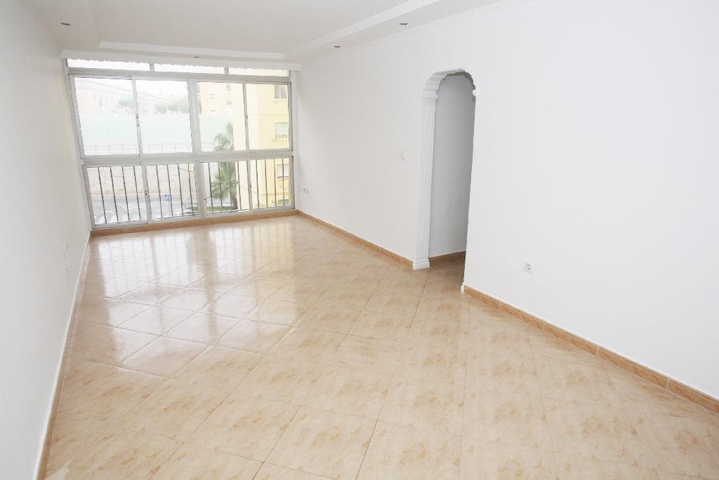 Piso en venta en Piso en San Fernando, Cádiz, 99.000 €, 3 habitaciones, 1 baño, 84 m2