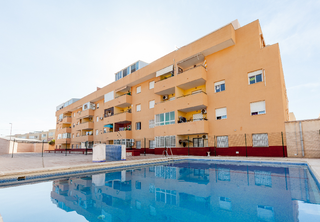 Piso en venta en Urbanización Roquetas de Mar, Roquetas de Mar, Almería, Calle Nicaragua, 65.500 €, 2 habitaciones, 1 baño, 85 m2