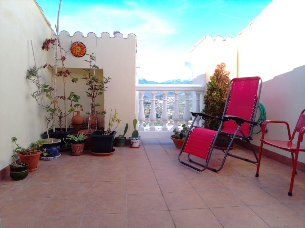 Casa en venta en Casa en Castillo de Locubín, Jaén, 74.950 €, 3 habitaciones, 2 baños, 200 m2