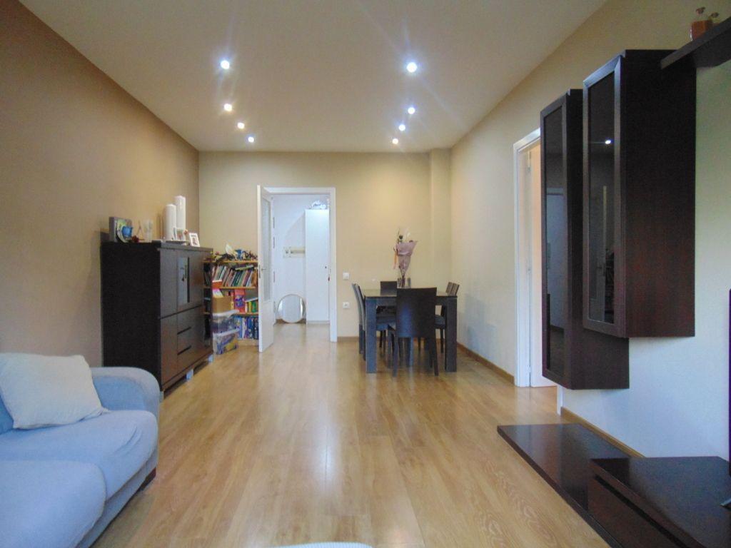 Piso en venta en Vilafranca del Penedès, Barcelona, Calle Falcons de Vilafranca, 167.000 €, 3 habitaciones, 1 baño, 148 m2