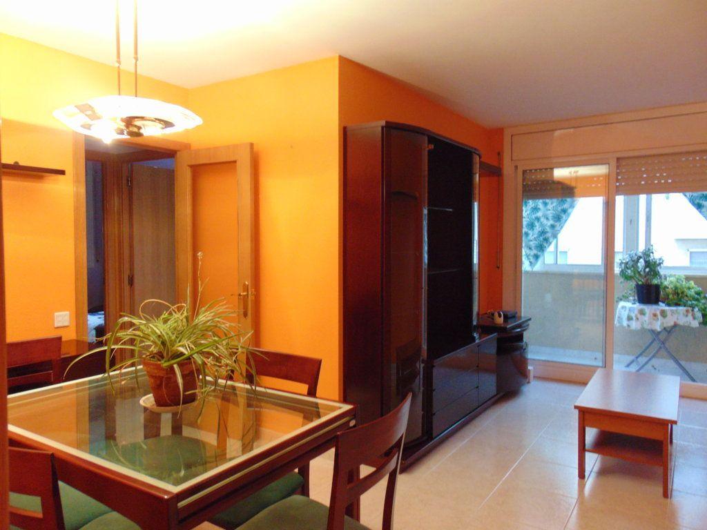 Piso en venta en Vilafranca del Penedès, Barcelona, Calle Balco de Les Clotes, 128.000 €, 3 habitaciones, 1 baño, 67 m2