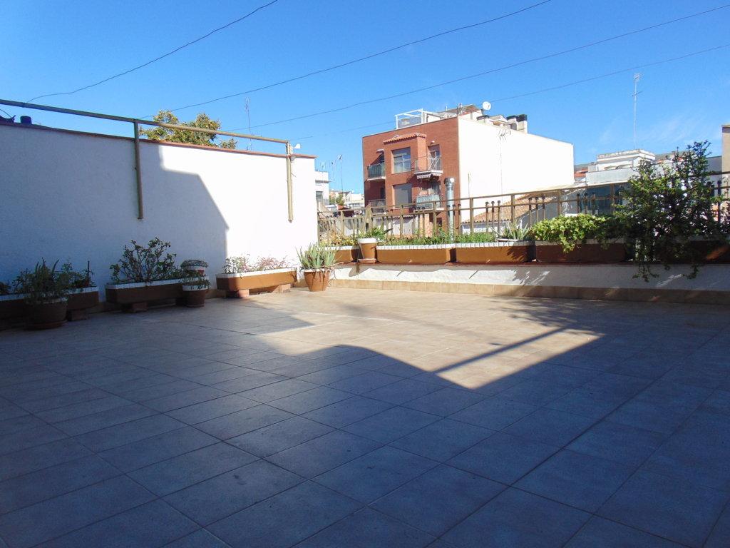 Piso en venta en Vilafranca del Penedès, Barcelona, La Granada, 146.000 €, 4 habitaciones, 2 baños, 113 m2