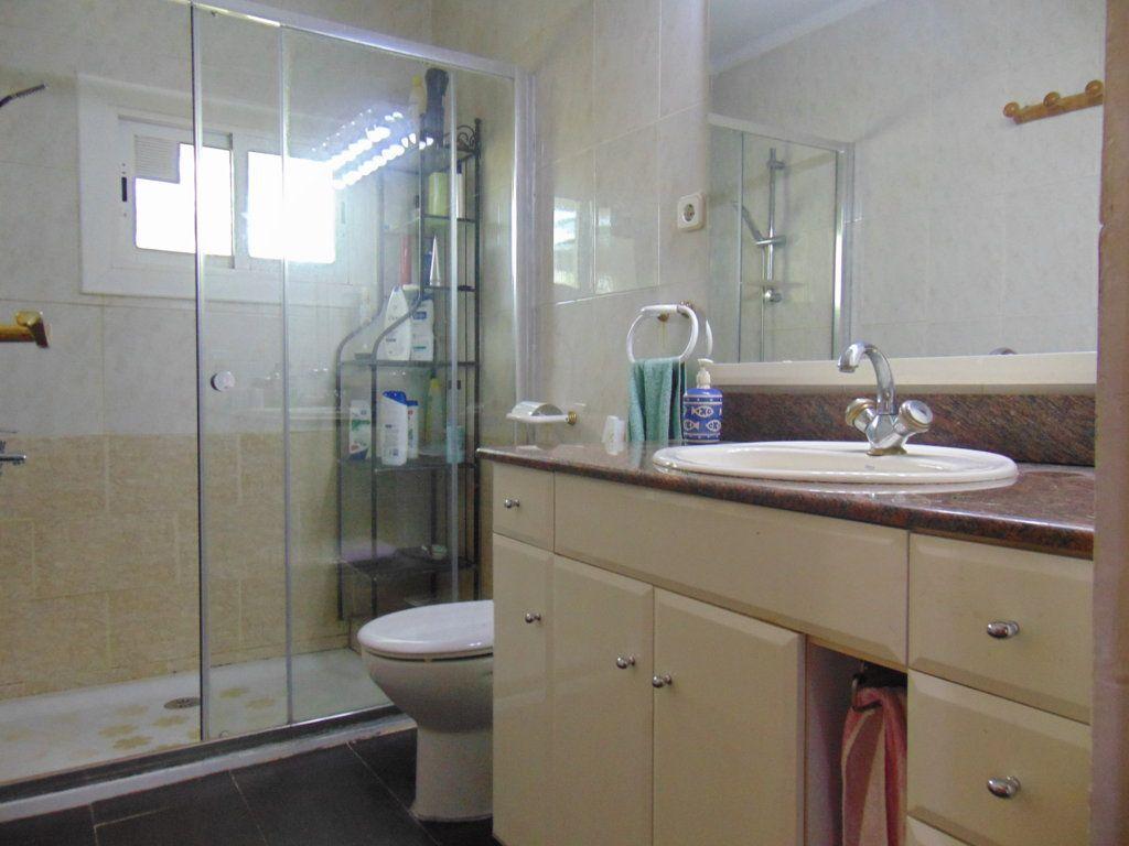 Casa en venta en Casa en Torrelles de Foix, Barcelona, 152.900 €, 3 habitaciones, 2 baños, 136 m2