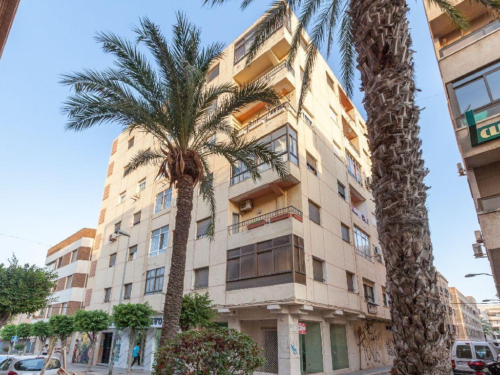 Casa en venta en Pampanico, El Ejido, Almería, Calle Cervantes, 103.500 €, 4 habitaciones, 1 baño, 145 m2