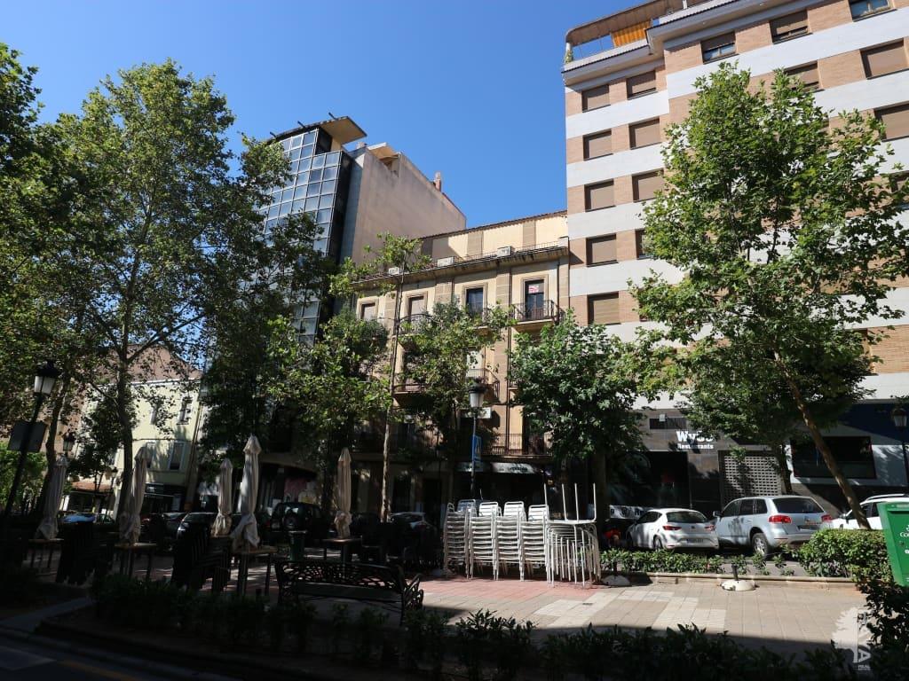 Piso en venta en Cánovas, Cáceres, Cáceres, Avenida Virgen de la Monta?a, 216.985 €, 4 habitaciones, 1 baño, 203 m2