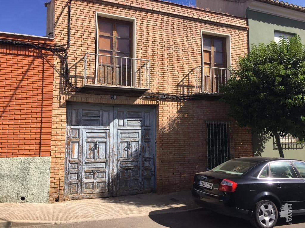 Casa en venta en La Magdalena, Valdepeñas, Ciudad Real, Calle Mediodia, 52.000 €, 5 habitaciones, 2 baños, 373 m2