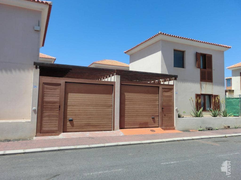 Casa en venta en La Oliva, Las Palmas, Calle Sabina, 125.000 €, 2 habitaciones, 1 baño, 79 m2