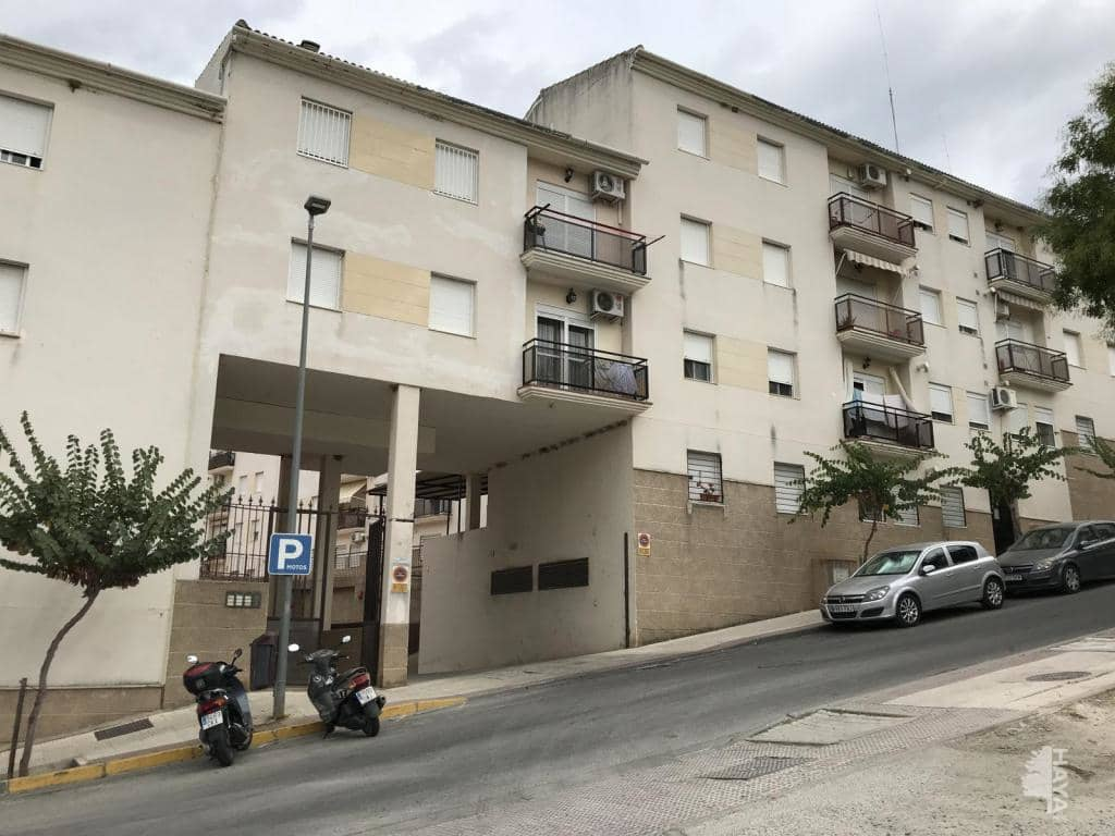 Piso en venta en Ubrique, Ubrique, Cádiz, Avenida Sierra de Ubrique, 74.600 €, 3 habitaciones, 1 baño, 80 m2