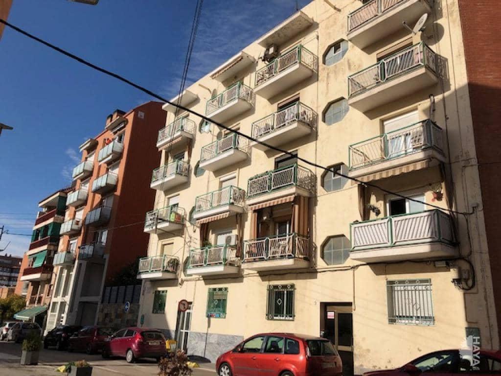 Piso en venta en Sant Andreu de la Barca, Barcelona, Calle Llobregat, 99.800 €, 3 habitaciones, 1 baño, 69 m2