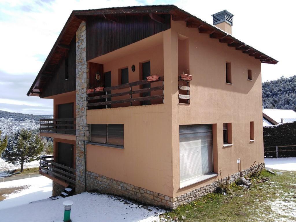 Piso en venta en Alp, Girona, Avenida Supermolina, 265.000 €, 3 habitaciones, 2 baños, 144 m2