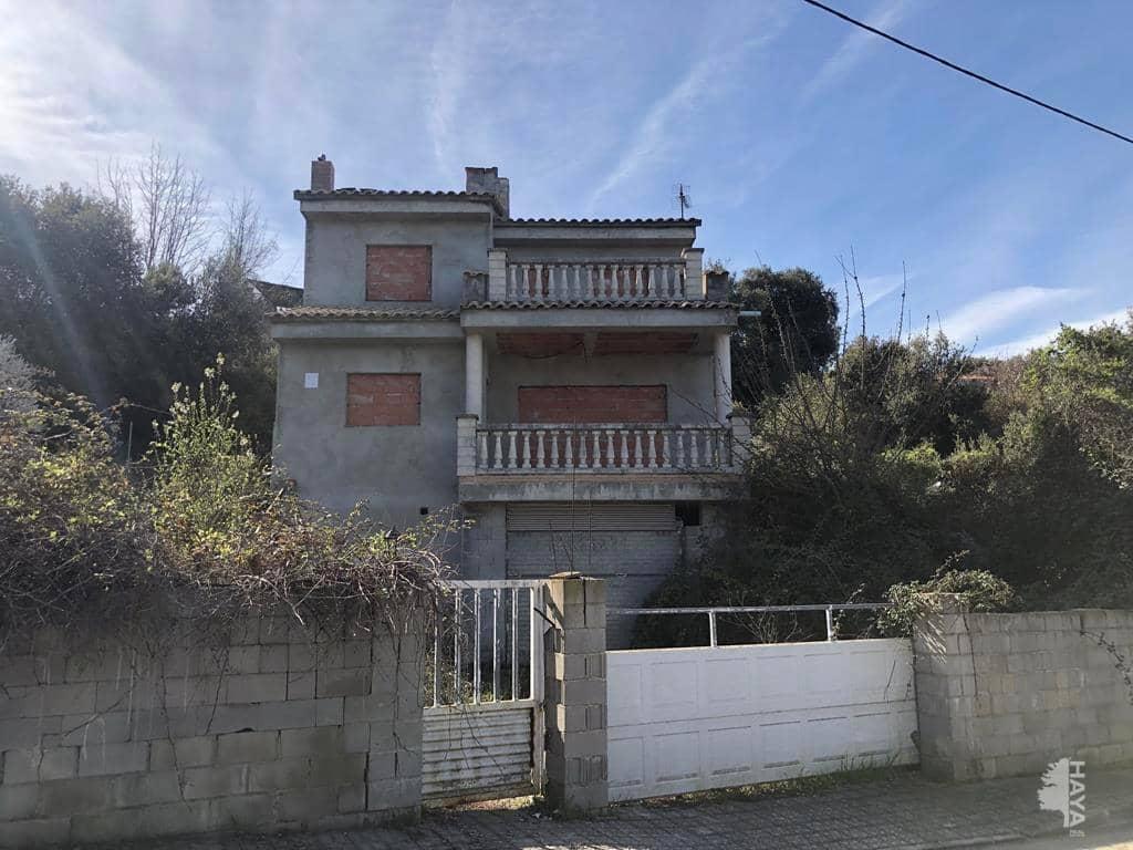 Casa en venta en El Pont de Vilomara I Rocafort, Barcelona, Calle Llebre, 190.600 €, 4 habitaciones, 2 baños, 211 m2
