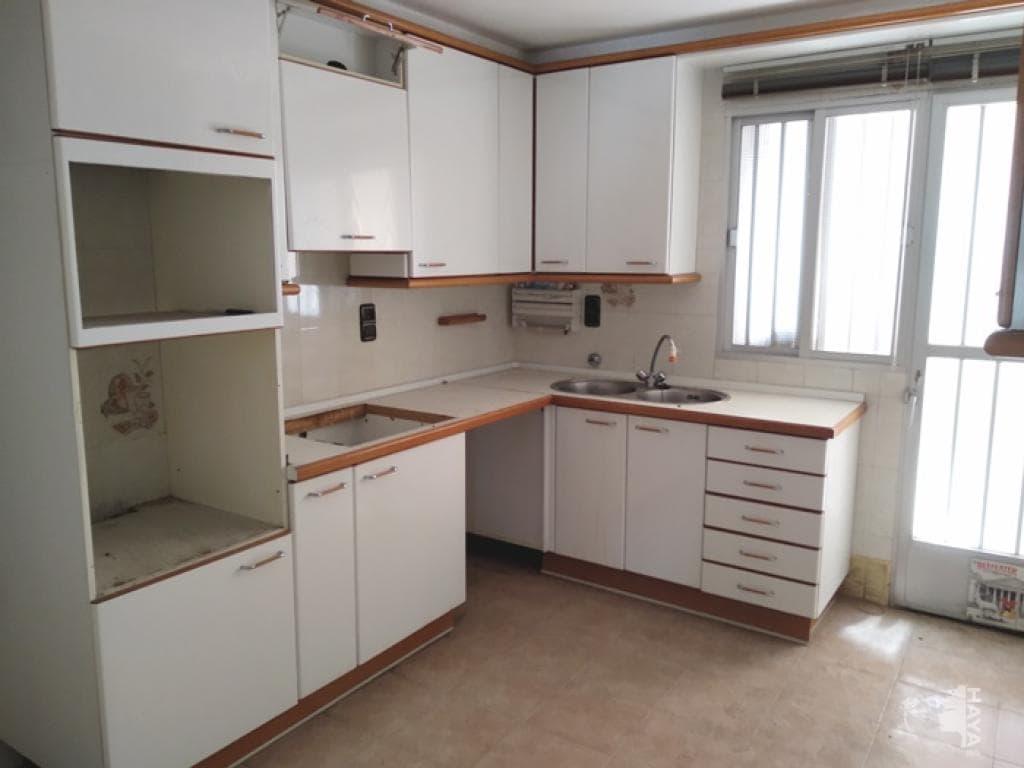 Piso en venta en Armilla, Granada, Calle Almeria, 118.000 €, 3 habitaciones, 1 baño, 196 m2