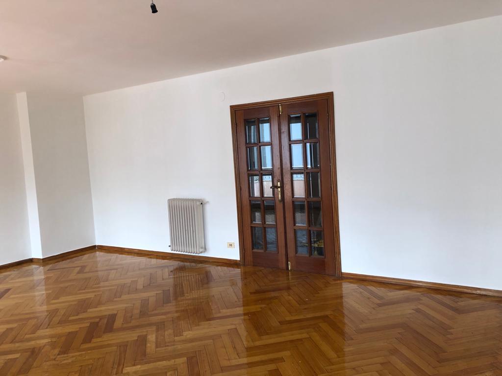 Piso en venta en Viloira, O Barco de Valdeorras, Ourense, Calle Eulogio Fernandez, 115.000 €, 4 habitaciones, 2 baños, 204 m2