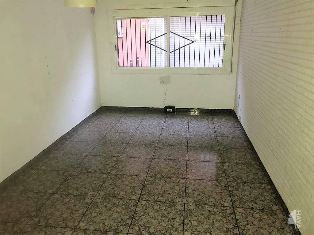 Piso en venta en Piso en Sant Andreu de la Barca, Barcelona, 86.000 €, 2 habitaciones, 1 baño, 58 m2