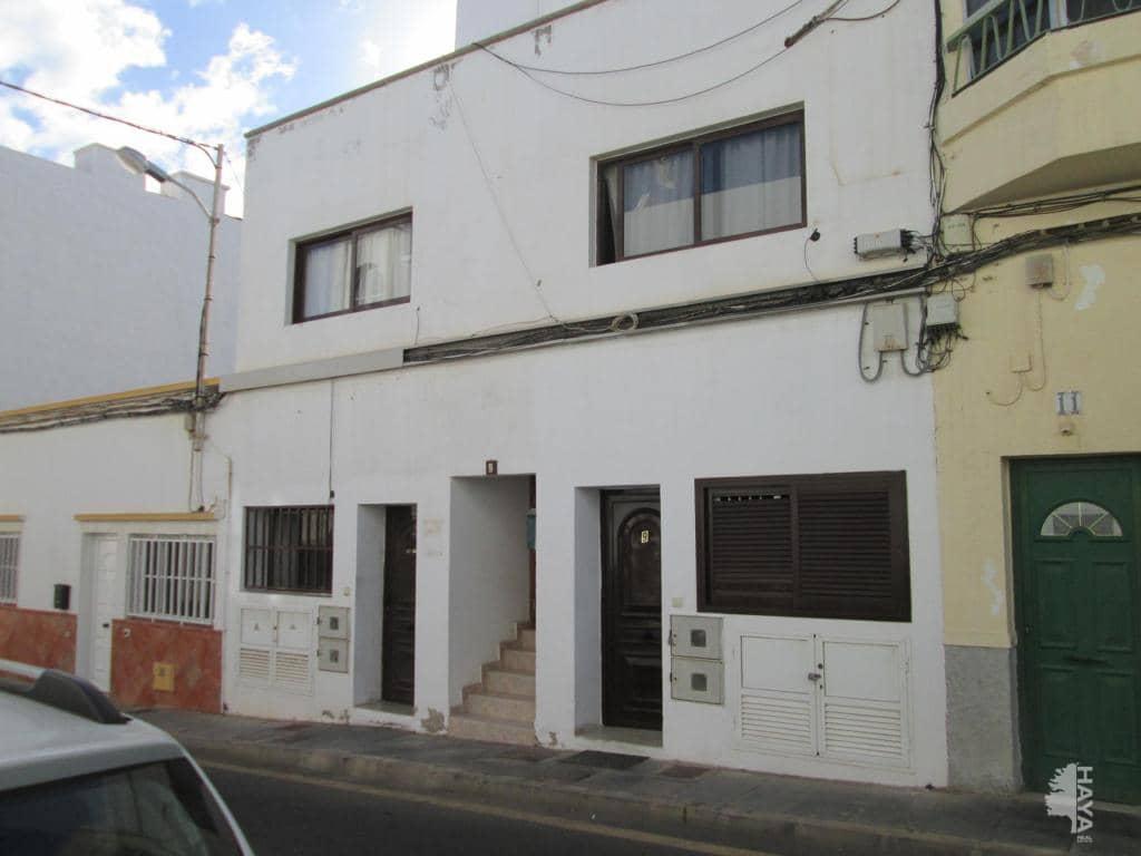 Piso en venta en Arrecife, Las Palmas, Calle Pamplona, 69.200 €, 2 habitaciones, 1 baño, 52 m2