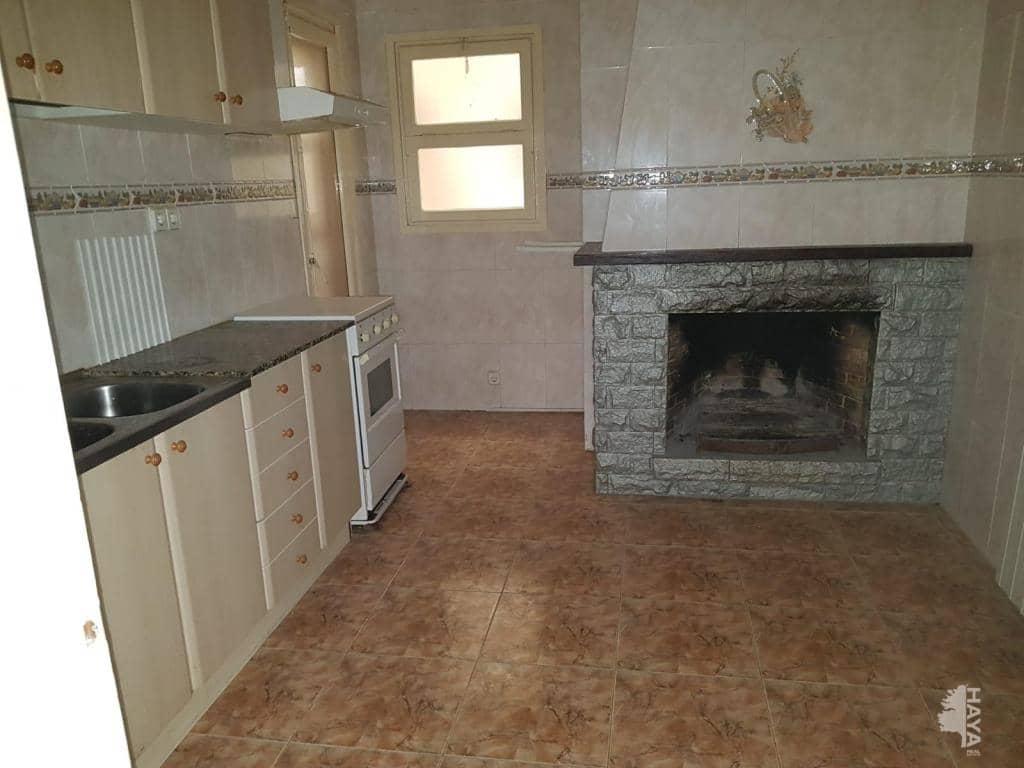 Piso en venta en Piso en Hostalric, Girona, 76.700 €, 3 habitaciones, 1 baño, 66 m2