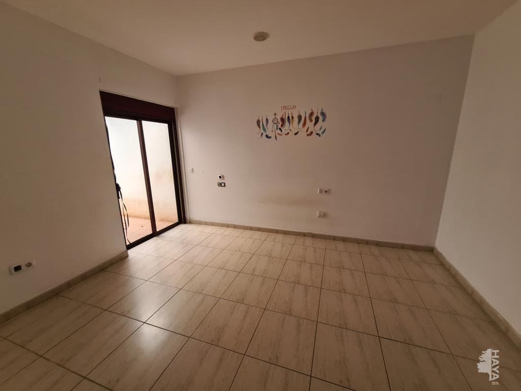 Piso en venta en Piso en Puerto del Rosario, Las Palmas, 76.700 €, 2 habitaciones, 1 baño, 67 m2