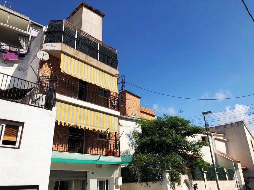 Piso en venta en Piso en Castelldefels, Barcelona, 113.000 €, 2 habitaciones, 1 baño, 63 m2