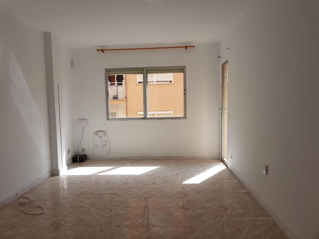 Piso en venta en Son Cotoner, Palma de Mallorca, Baleares, Calle , 155.000 €, 3 habitaciones, 1 baño, 78 m2