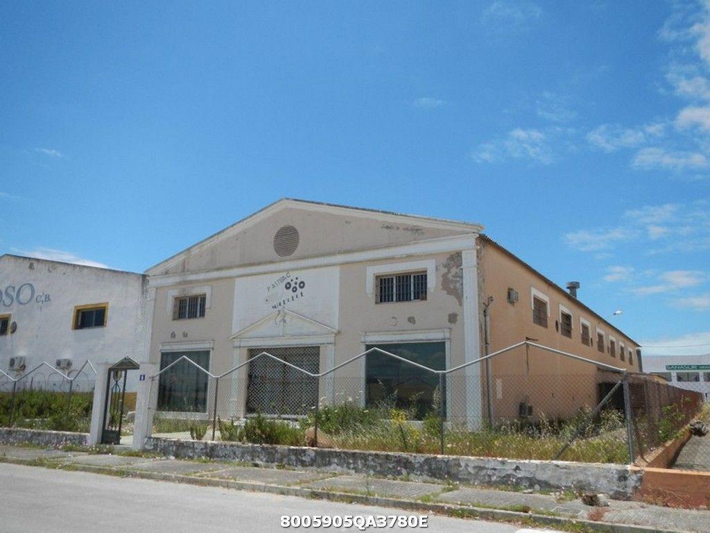 Industrial en venta en Sanlúcar de Barrameda, Cádiz, Calle Miguel Servet, 575.000 €, 1820 m2