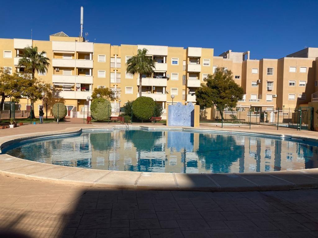 Piso en venta en Roquetas de Mar, Almería, Calle Orense, 78.000 €, 2 habitaciones, 1 baño, 89 m2