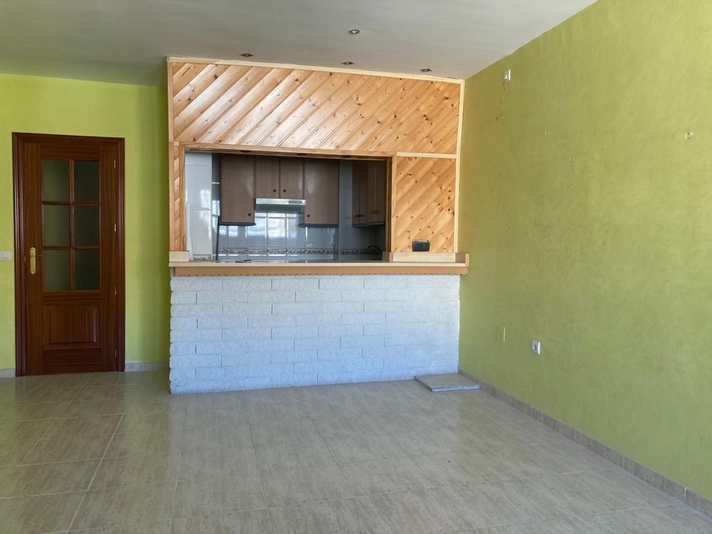 Piso en venta en Piso en Roquetas de Mar, Almería, 78.000 €, 2 habitaciones, 1 baño, 89 m2