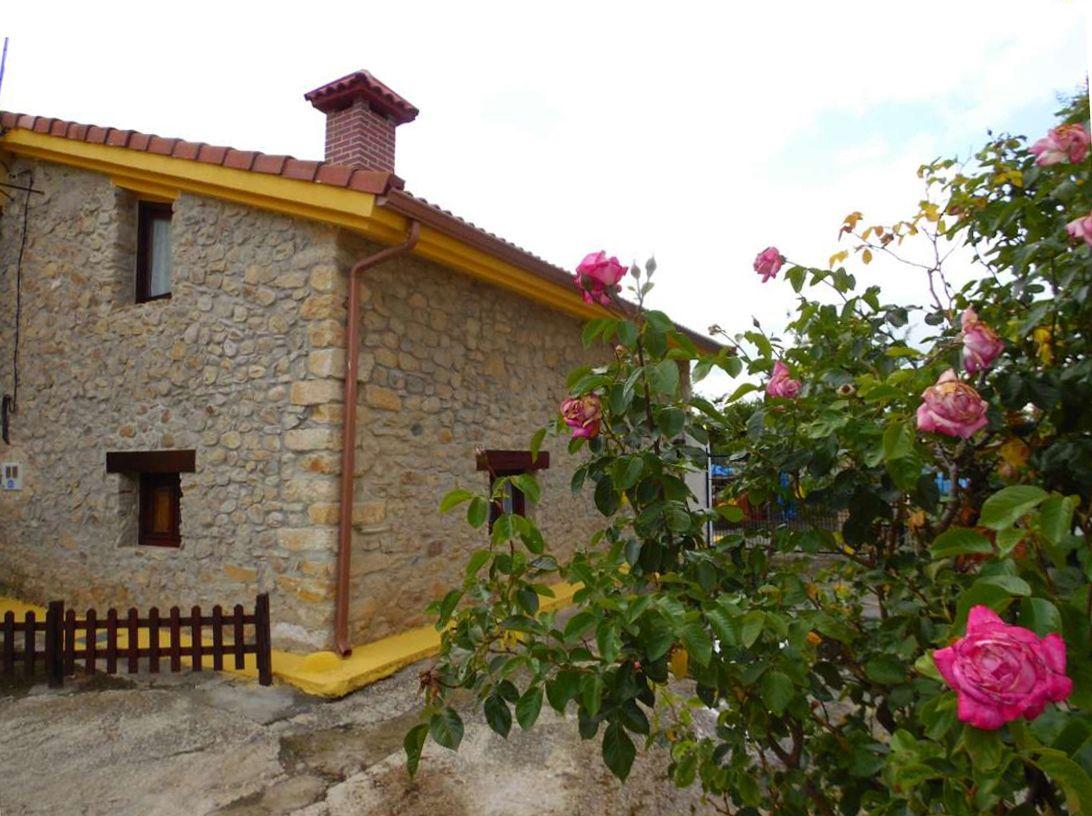 Casa en venta en Medina de Pomar, Burgos, Calle del Rio, 97.000 €, 2 habitaciones, 2 baños, 110 m2
