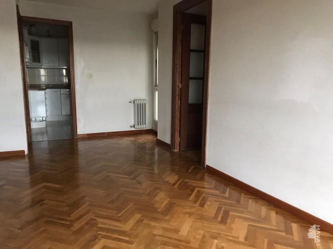 Piso en venta en Barrio Santa Clara, Benavente, Zamora, Avenida El Ferial, 53.000 €, 3 habitaciones, 1 baño, 81 m2