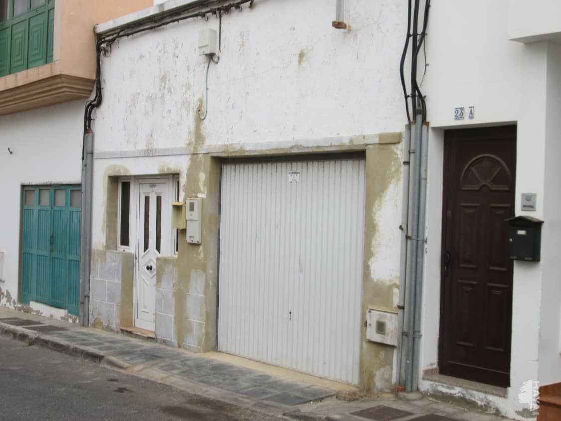 Casa en venta en Arrecife, Las Palmas, Calle Almeria, 115.000 €, 3 habitaciones, 2 baños, 152 m2